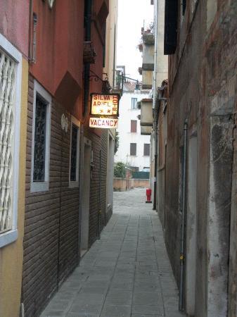 Hotel Ariel Silva: entrata hotel