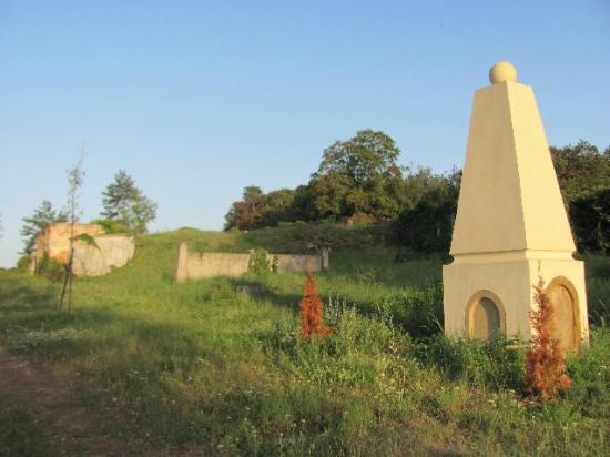 Jewish Cemetery: view