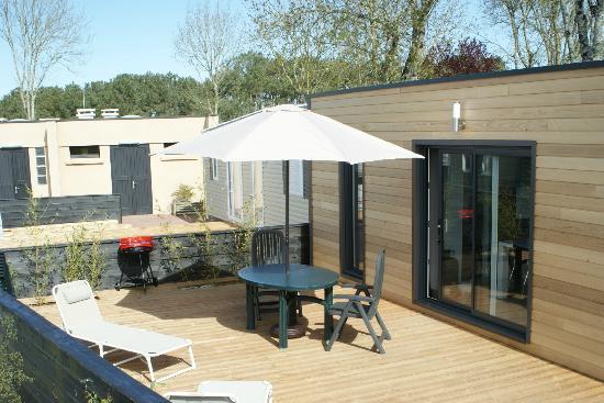 Camping Les 7 Saints : terrasse