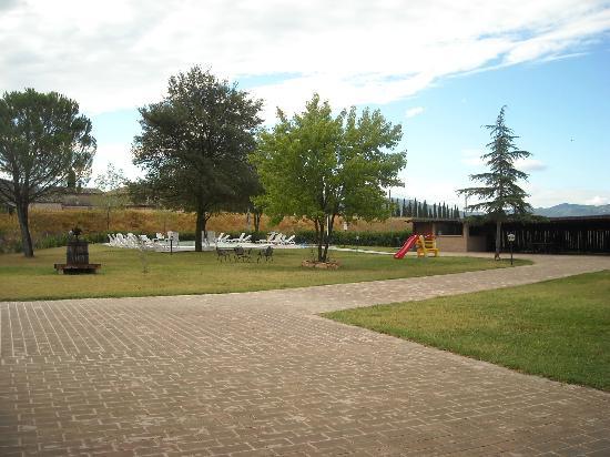 Natalini Agriturist: zona giardino
