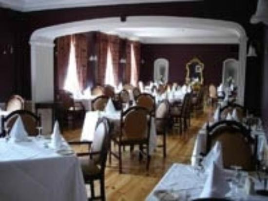 Dooly's Hotel: Emmet Room Restaurant