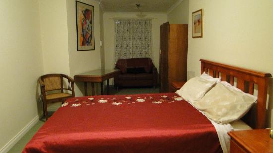 Weelaway on Gregory: room1