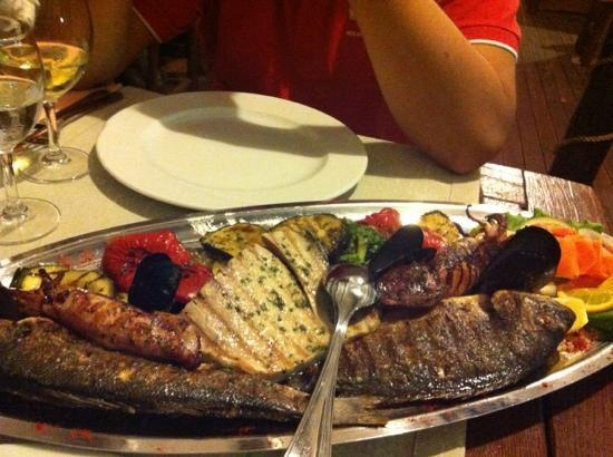 Hotel Villa Julija  Kralja: Fish plate for 2