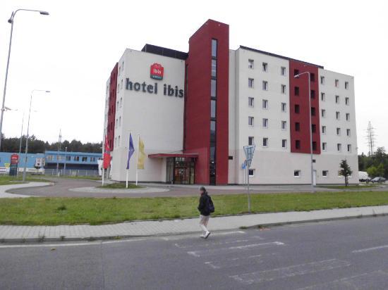 Ibis Plzen: Vue extérieure de l'hôtel