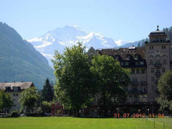 Hotel de la Paix: Interlaken con la Jungfrau al fondo