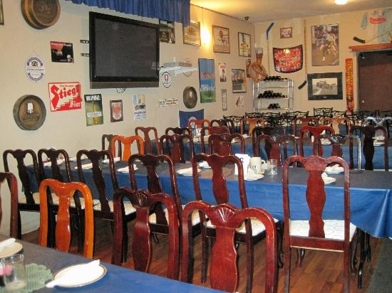 Haus Murphy's: Indoor Dining Room