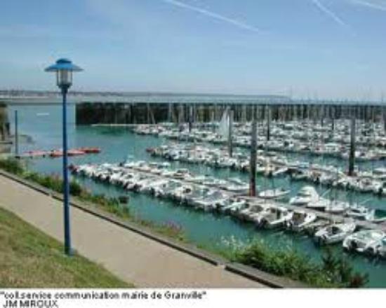 La Ferme de Montaigu : le Port de Granville