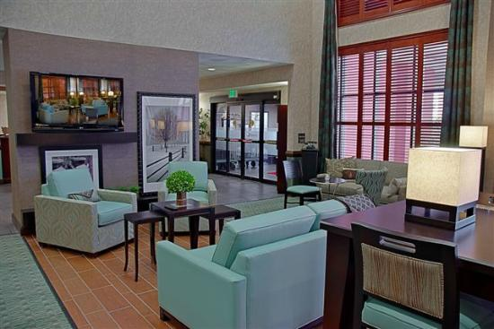 Hampton Inn & Suites Valparaiso: Lobby