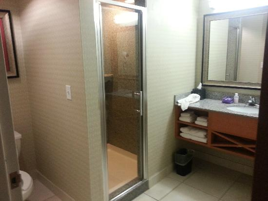Comfort Suites Glen Allen : bathroom with walk-in shower