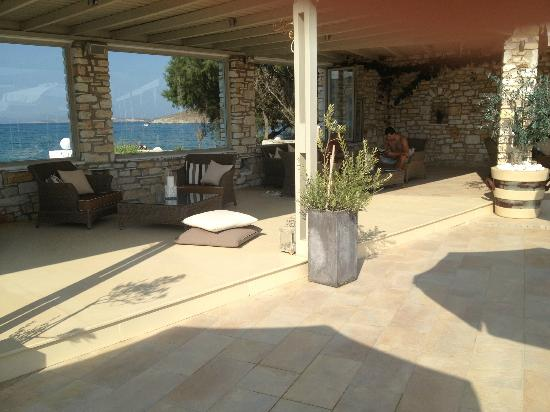 Saint Andrea Seaside Resort : Pool area - view to the beach