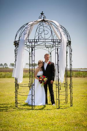Seaford, VA: A&T Wedding Arbor
