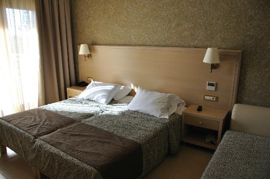 Cactus Royal Resort: Room