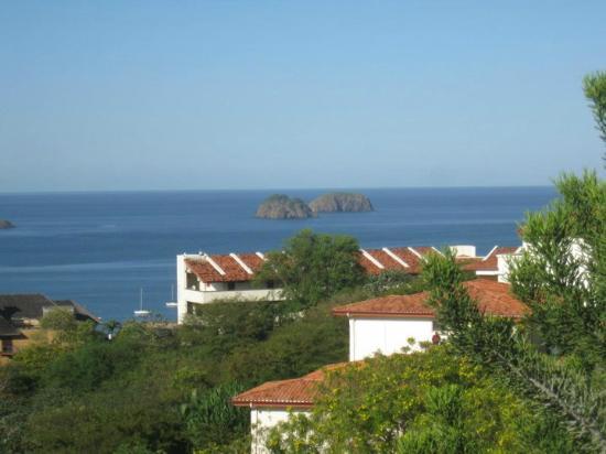 Vista desde las villas picture of villas sol hotel for Villas sol playa hermosa