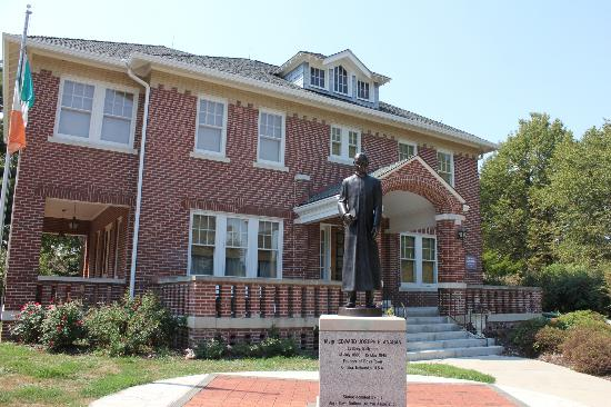 boys town girls Boys town in omaha, ne (for a period the name had been changed to girls and boys town) what is the boys town education model the boys town education model.