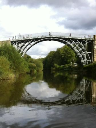 The White Hart Ironbridge: iron bridge 2 minutes from hotel