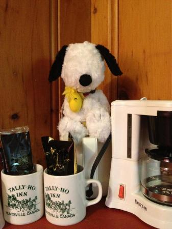 Tally Ho Inn: unit were equipped with coffee-maker and stuffs