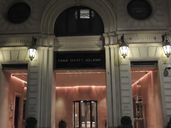 Park Hyatt Milan: Front of the hotel