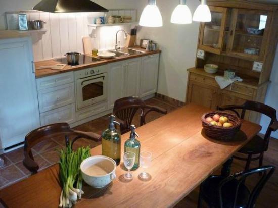 Sarffy House: kitchen
