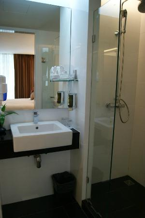 CityPoint Hotel : Bathroom