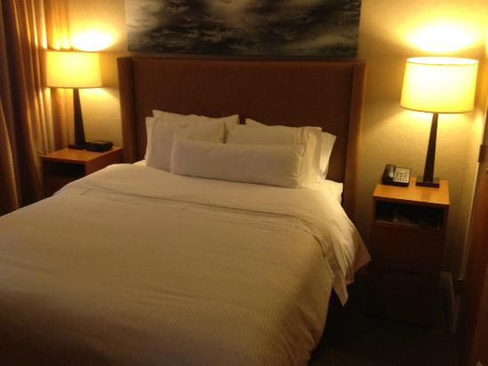 The Westin Resort & Spa, Whistler : Queen bed - no king bed at this property