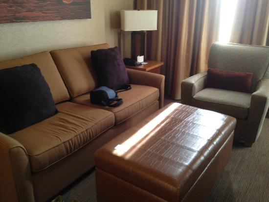 The Westin Resort & Spa, Whistler: Living room with pull out bed