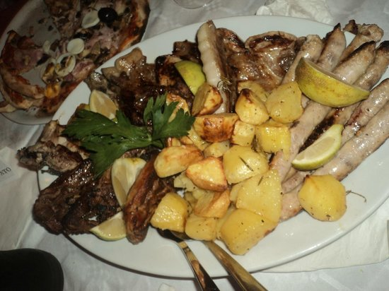 Mussomeli, Italy: Grigliata di carne
