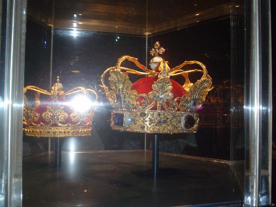 Castillo de Rosenborg: Corona de la Realesa Danesa