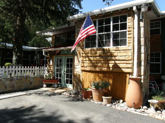 Photo of Sitzmark Chalet Inn Ruidoso