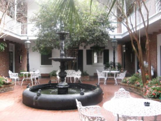 Hotel Provincial: Courtyard