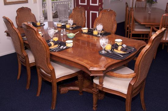 The House on the Hill: Breakfast table setting