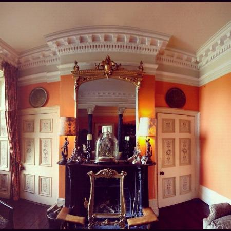 Ballyvolane House: Entry way