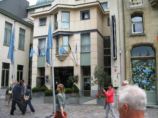 NH Gent Belfort: Main entrance.