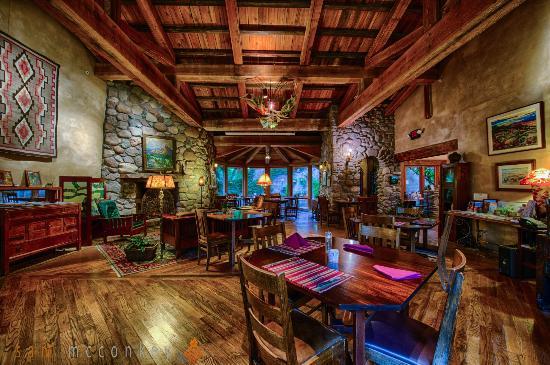 El Portal Sedona Hotel: Great room/Lobby/Dining Room