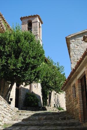 Borgo di Carpiano: The cobbled path