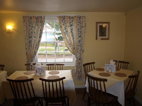 Weavers Tea Room: The Primrose Room