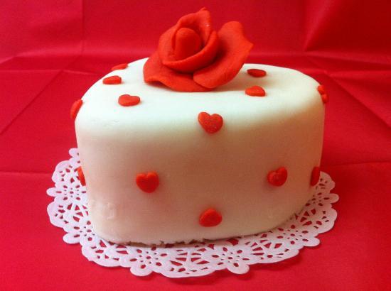 Weavers Tea Room: Valentines Cake