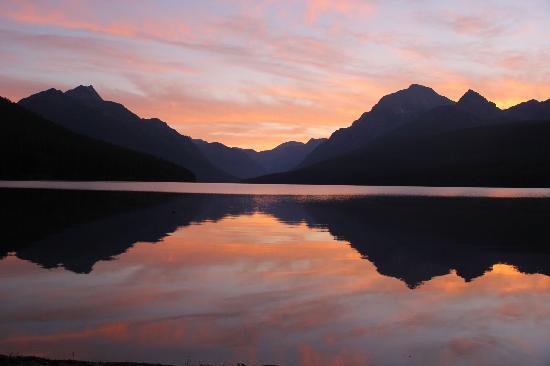 Sunrise at Bowman lake (sans filter)