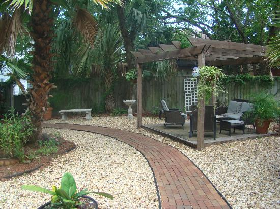 Casablanca Inn on the Bay: Secret Garden