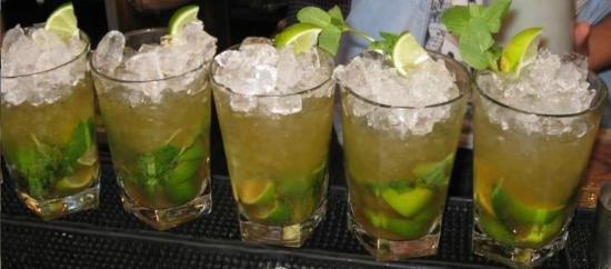 Piscina Pool Bar: Best mojito in Tsilivi