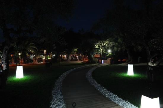 Piscina Pool Bar: By night