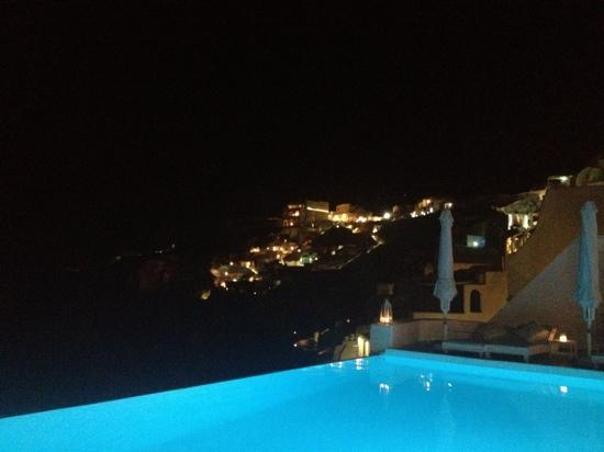 Katikies Hotel: main pool by night