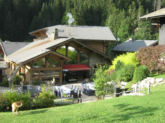 Chilly Powder : The Chalet and gardens