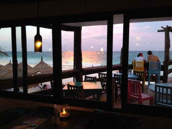 Playa Azul Tulum Restaurant: view from inside the restaurant