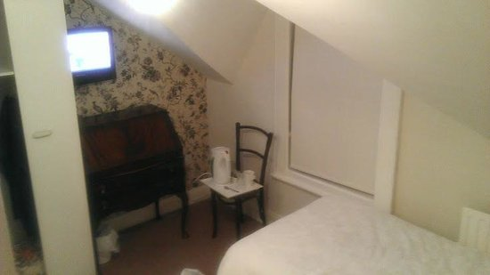 Ennislare Guest House: The room