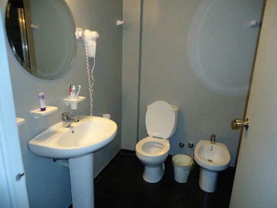 Epico Recoleta Hotel: banheiro