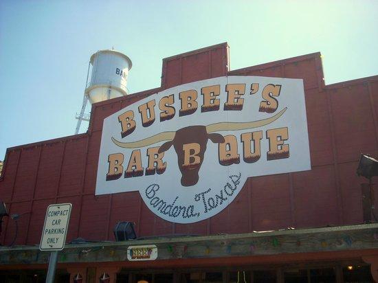 Busbee's Bar-B-Que : Restaurant Sign