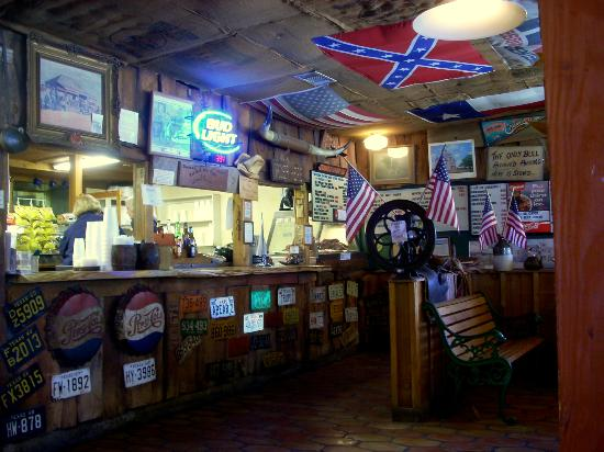 Busbee's Bar-B-Que : Where you place your order