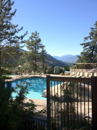 Sun Mountain Lodge: outdoor pool