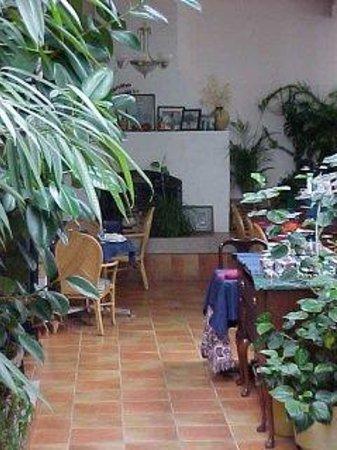 Zias Stonehouse Restaurant: Interior