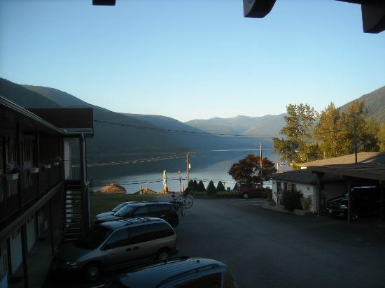 Kokanee Glacier Resort: lake
